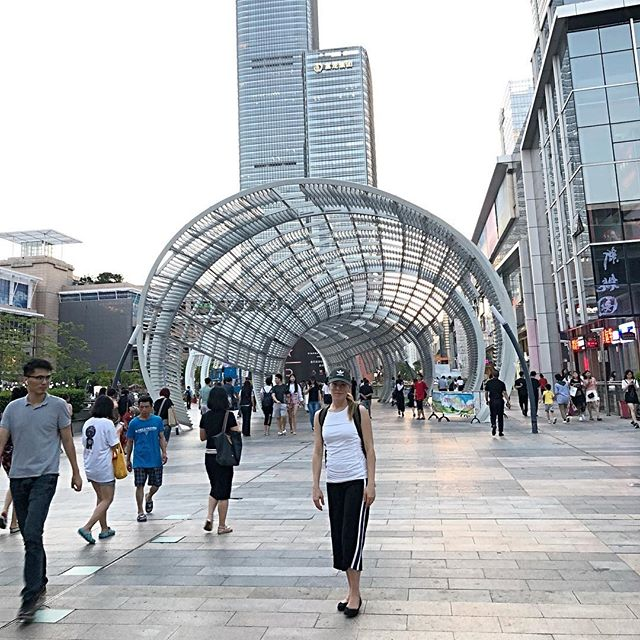 Amazing outdoor mall in Shenzhen - we were on a quest for salad... a rare commodity in China 🥗