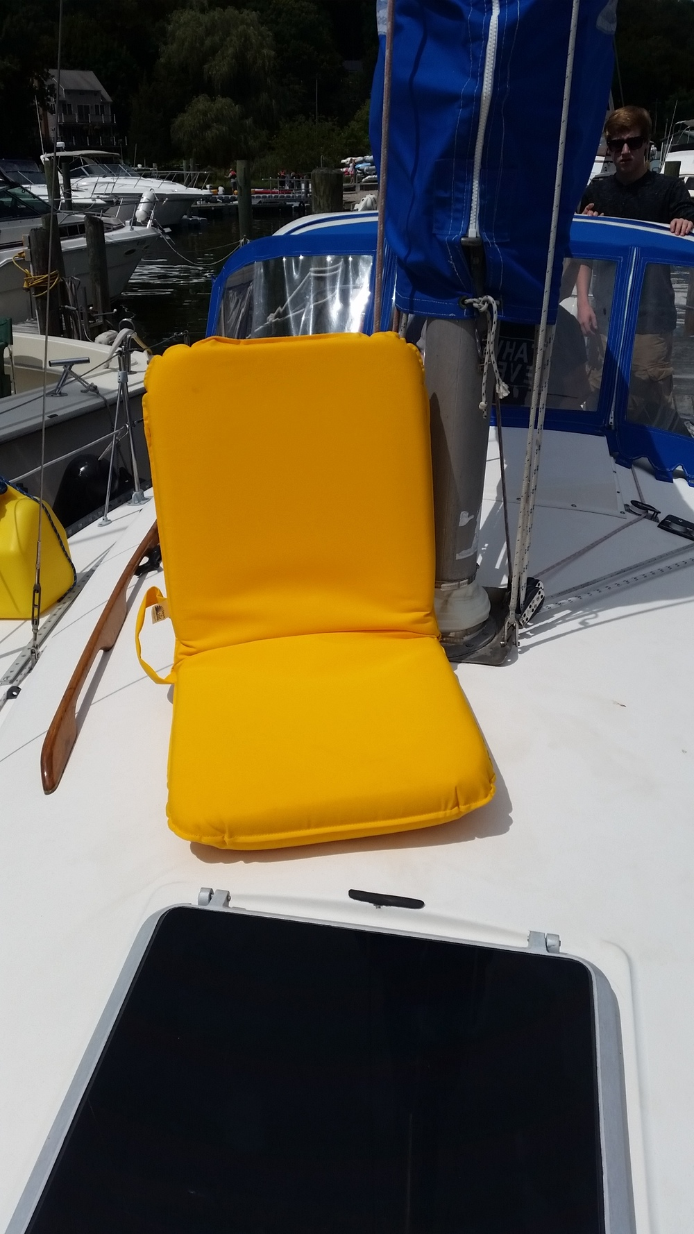 Seat    cushion    recliner    chair    adjustable   Sunbrella   marine   fabric   internal   frame   ratchet   hinge   multi   position   beach   recreation   boating   sailing   rv   camping   fishing   bleacher   bleachers   rodeo   sports    sporting   hunting   soccer   baseball   football   hockey   lacrosse   cockpit sailboat tailgating