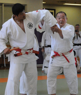 "<p><strong><p><strong></strong>SELF DEFENCE<a href=""www.rakuenjudo.com.au/combat-striking-cardio"">More →</a></p></strong><a href=""www.rakuenjudo.com.au/combat-striking-cardio""></a></p>."