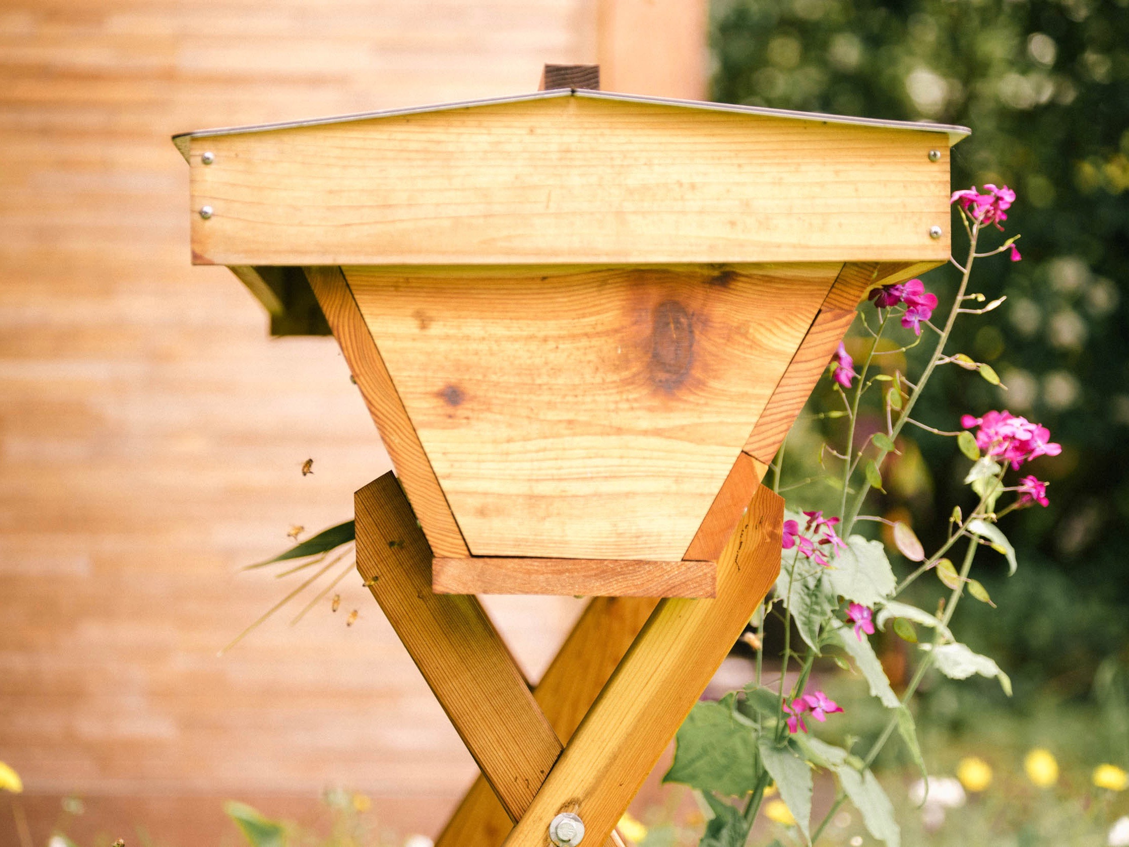 Choosing Your Hive: A Closer Look at Langstroth, Warre and Top Bar Hives - by Bee & Bloom