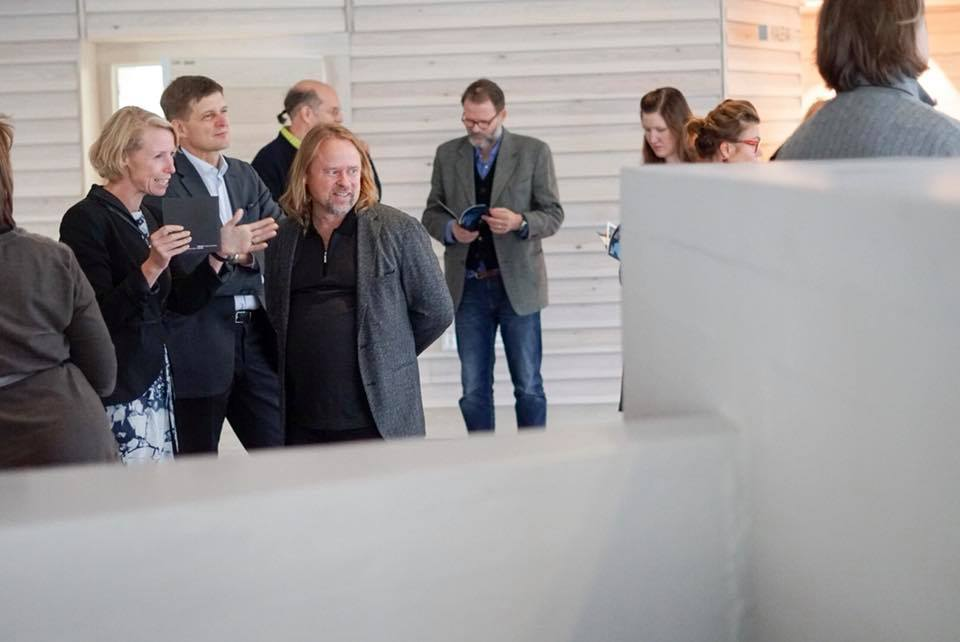 Vice-President Anna Valtonen, President Ilkka Niemelä and artist Hans-Christian Berg. In the background photographers Ilkka Halso, Kristoffer Albrech, Elina Julin. Image: David Lewis.