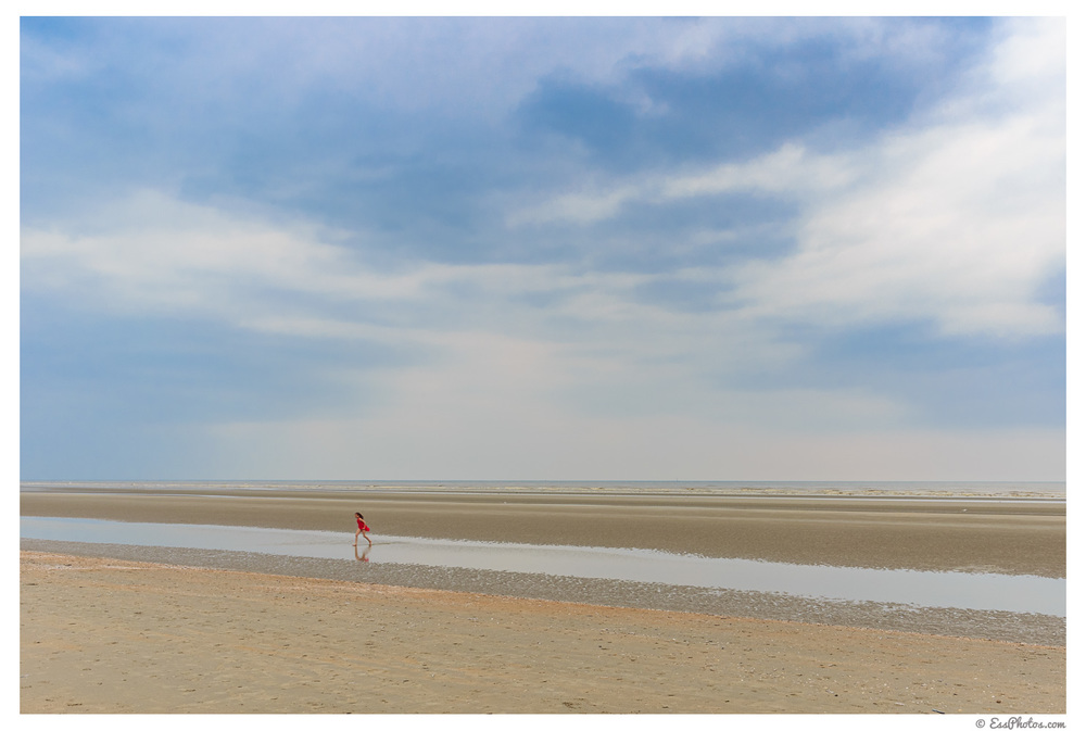 Belgian coast in May. 24mm, 1/320, f/16, ISO 100. Shot with a 6D and the EF 24mm f/2.8 IS