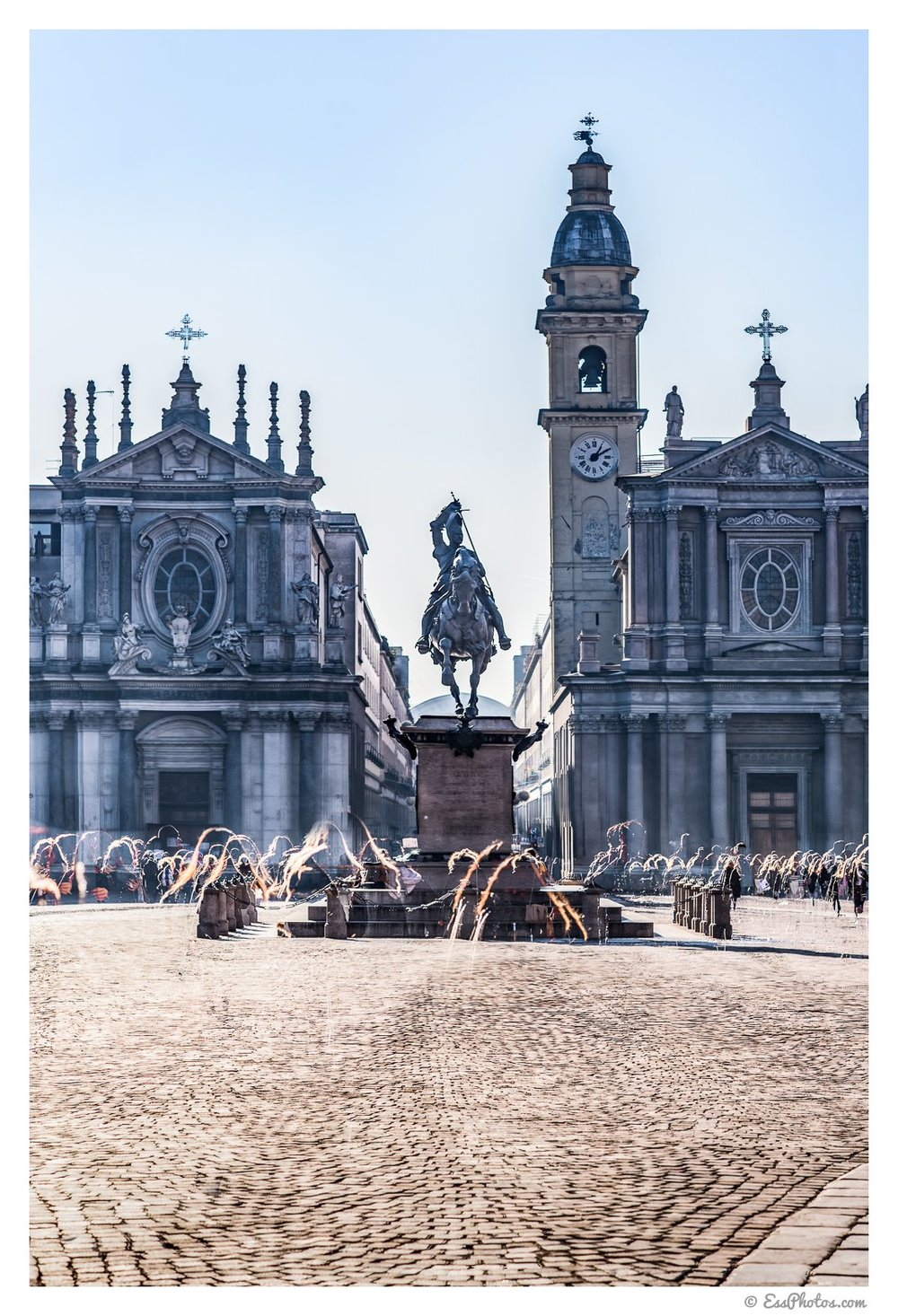 The ghosts of piazza San Carlo. 85mm, 1/1000, f/5.6, ISO 100. Composite from 7 pictures. Shot on a full-frame camera.