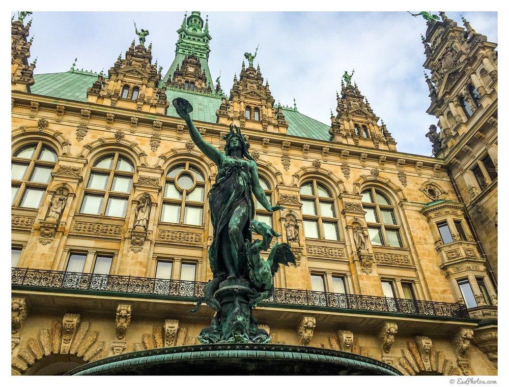 Hamburg, Rathaus. Shot with a phone.