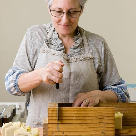 olieve-and-olie-cutting-handmade-soap.jpg