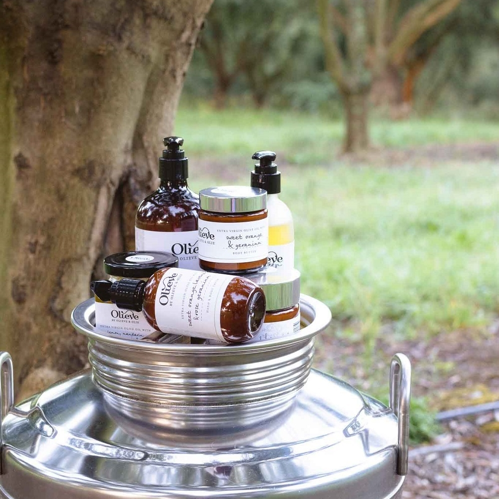 olieve-and-olie-products-in-olive-grove.jpg