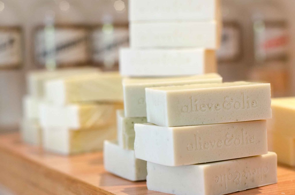 olieve-and-olie-pure-natural-soap-stack.jpg