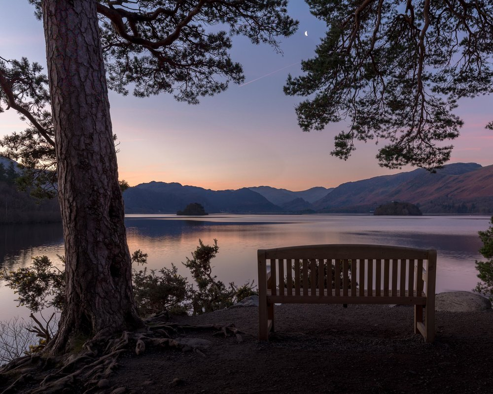 Regardless whether with a sweetheart or an old friend, the bench at the Friars Crag at Lake Derwentwater is a perfect place to say hello to a gorgeous new day.
