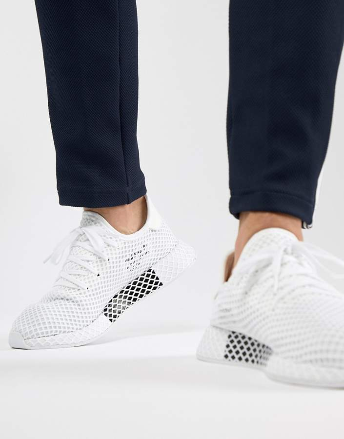 Adidas Originals Deerupt Runner Trainers In White Cq2625