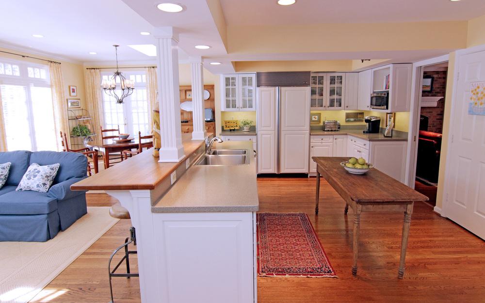 Kitchen 2 (2).jpg