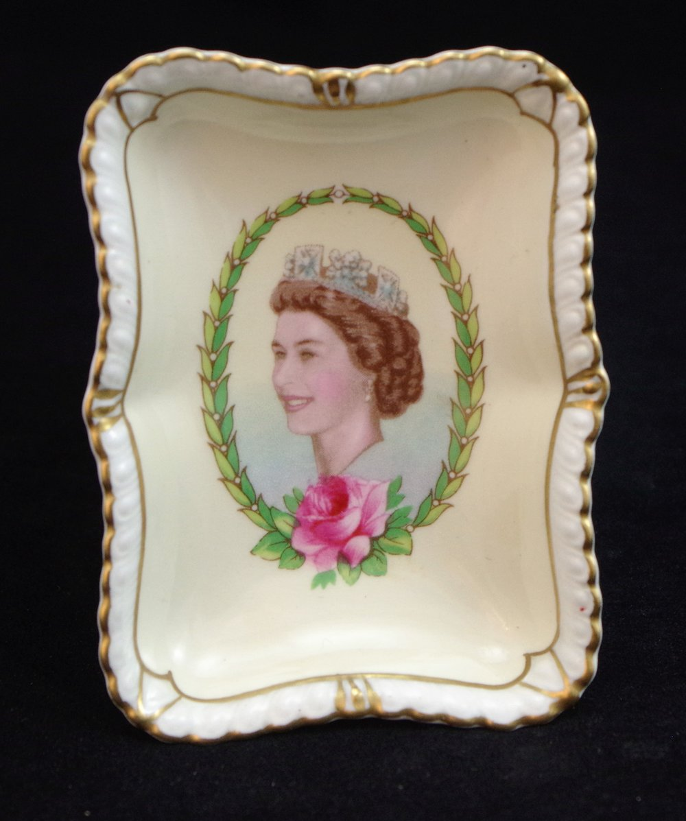 royal-crown-derby-gadroon-elizabeth-II-coronation-tray 1953