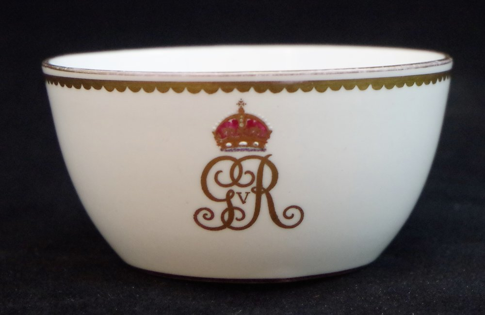 royal-crown-derby-george-V-monogram-royal-yacht-sugar-basin