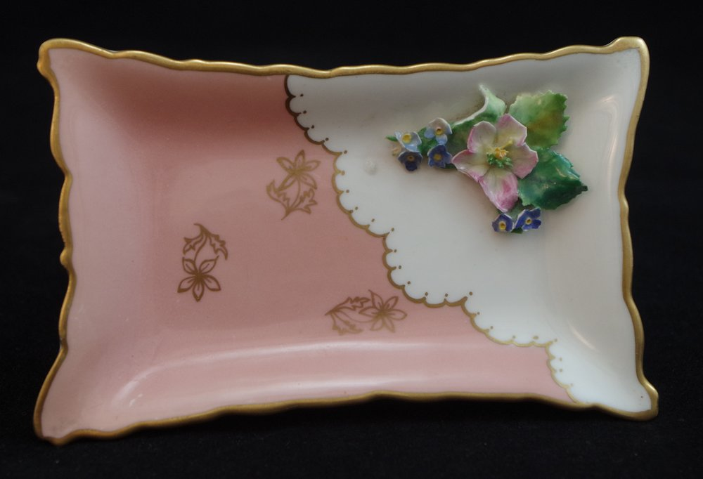 royal-crown-derby-1972-shape-flowered-oblong-tray-salmon