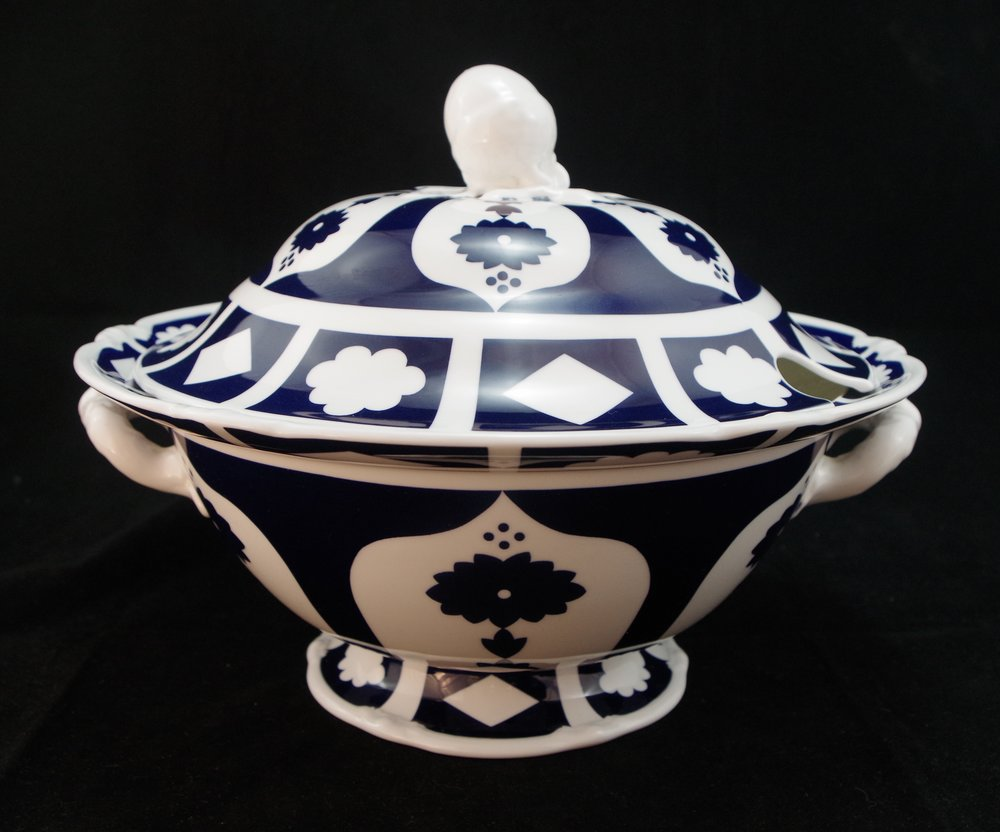 royal-crown-derby-talbot-soup-tureen-unfinished