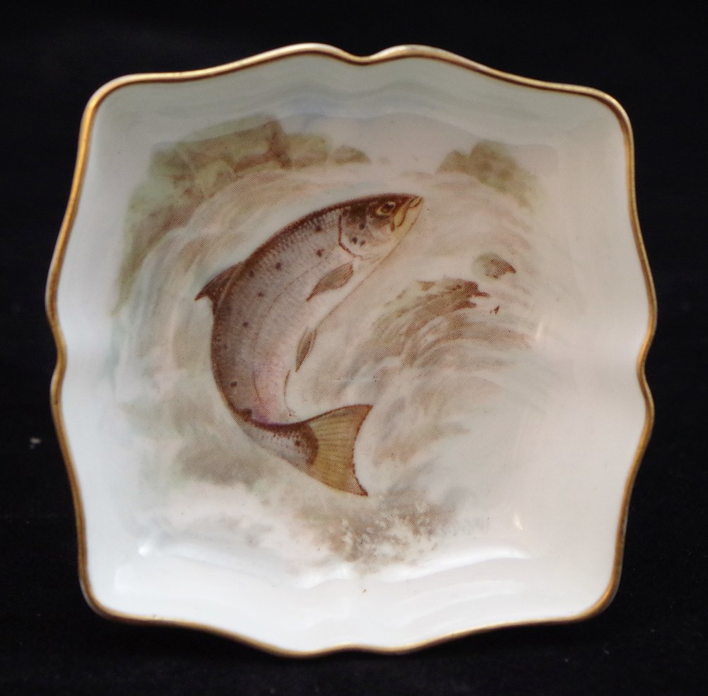 royal-crown-derby-shape-1803-square-salmon