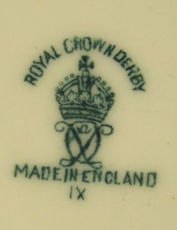 royal-crown-derby-box-1754-shape-bob-white-quail-on-lid-mark