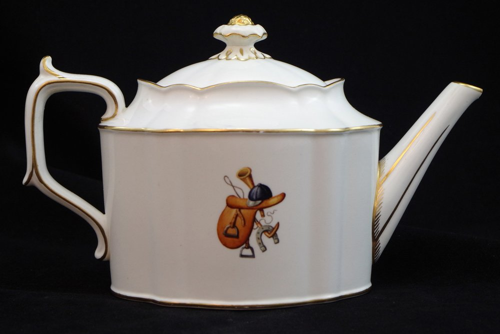 royal-crown-derby-chelsea-teapot-hunting-scene-h-pausch-reverse