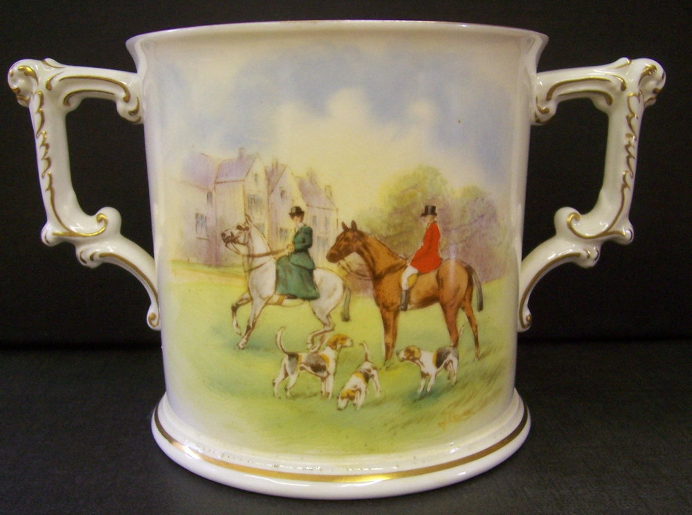 royal-crown-derby-large-loving-cup-hunting-scene