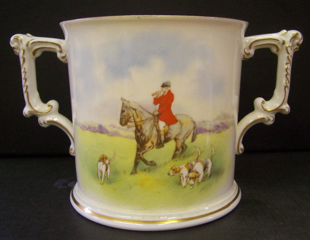 royal-crown-derby-large-loving-cup-hunting-scene-reverse
