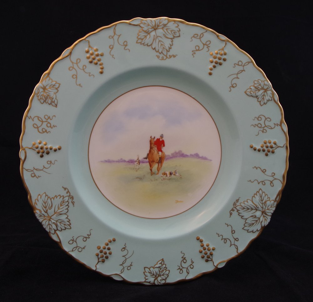 royal-crown-derby-vine-celadon-no-ivory-hunting-scene