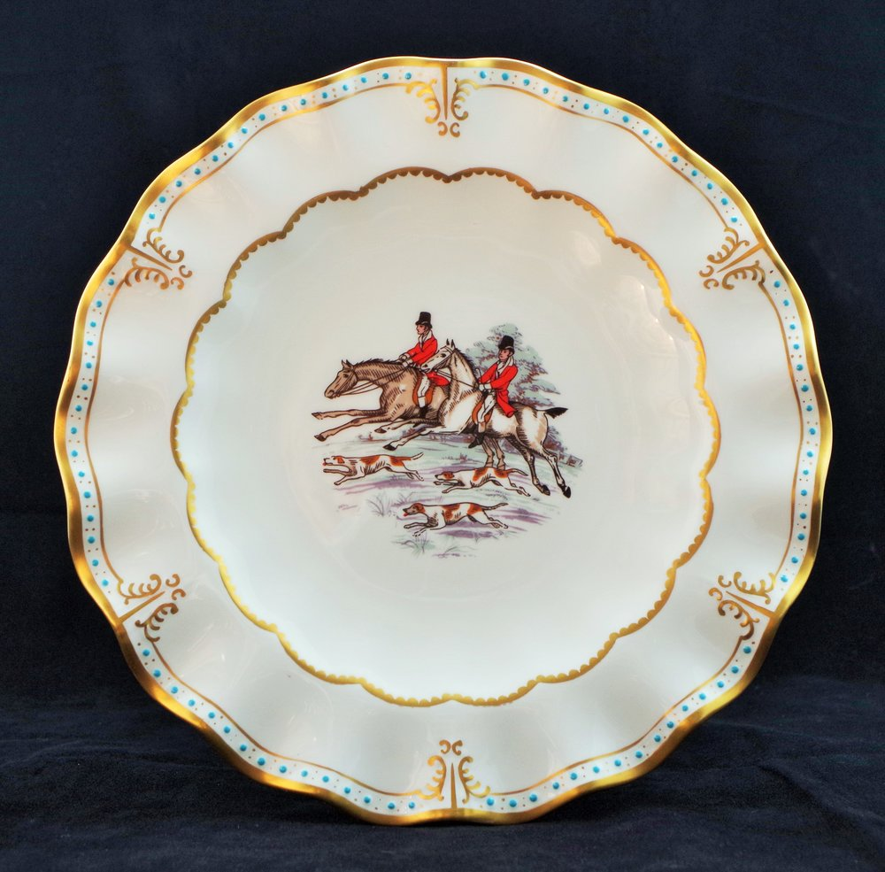 royal-crown-derby-royal-hand-painted-hunting-scenes