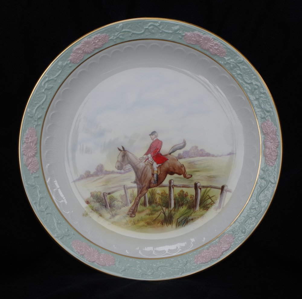 royal-crown-derby-embossed-rim-pink-blue-ground-hunting-scene