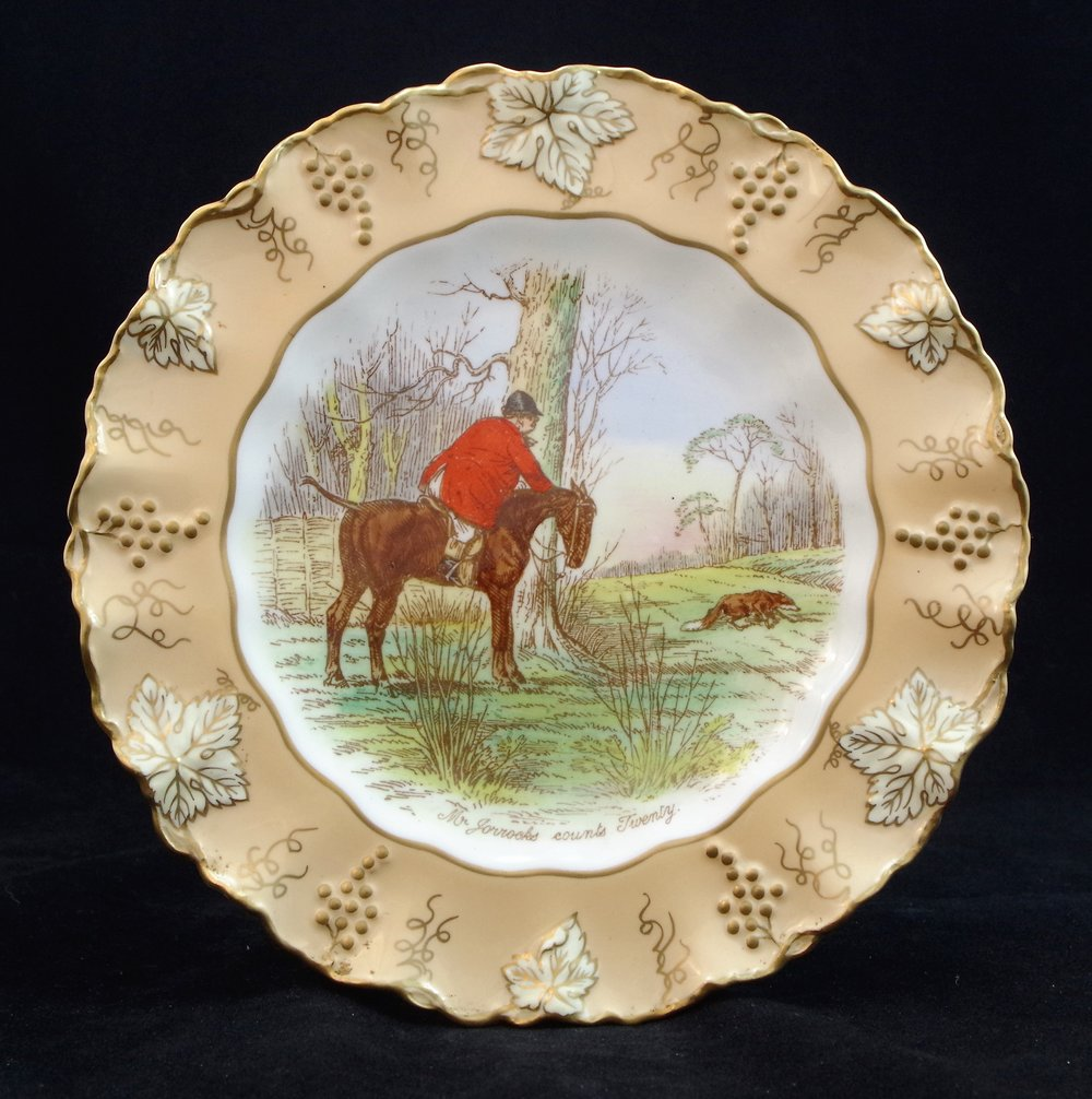 royal-crown-derby-vine-golden-fawn-ground-jorrocks-1