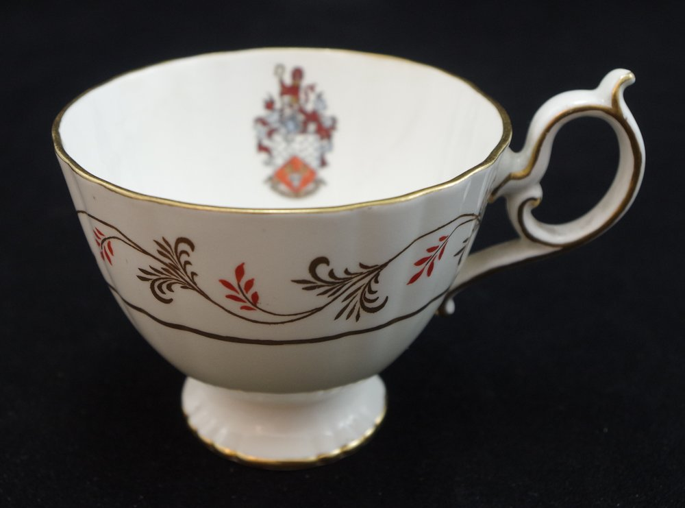 royal-crown-derby-elizabeth-shape-tea-cup-tall-red-diana-pattern-crest-1