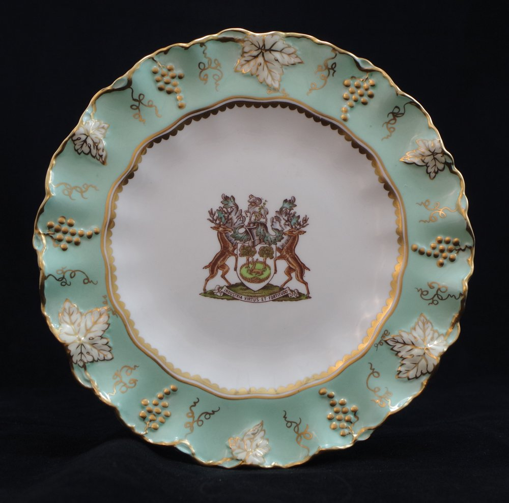 royal-crown-derby-vine-celadon-borough-of-derby-crest