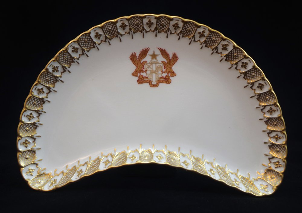 royal-crown-derby-heraldic-gold-salad-dish-ghana