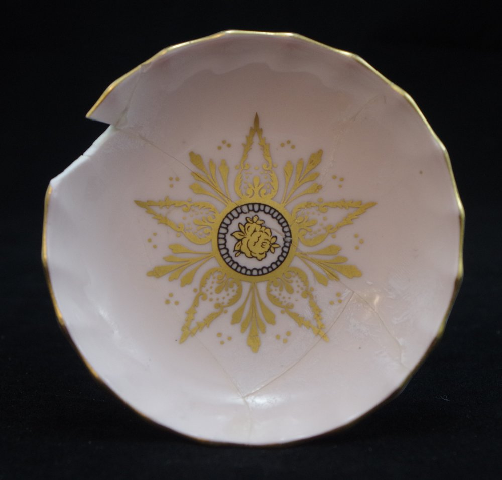 royal-crown-derby-boston-round-tray-pink-ground-FC-construction-1957