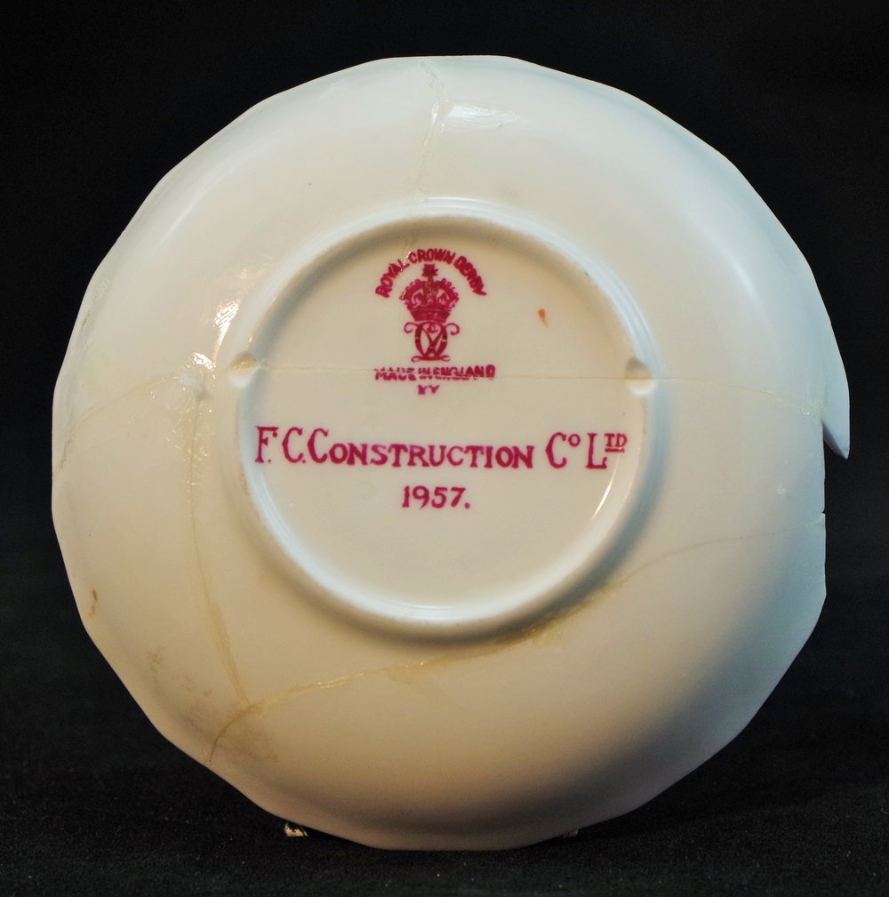 royal-crown-derby-boston-round-tray-pink-ground-FC-construction-1957-inscription-and-mark