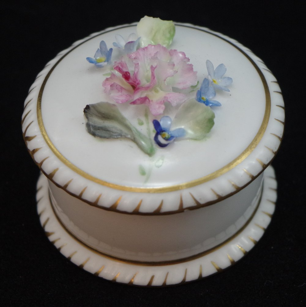 royal-crown-derby-shape-1009-hand-flowered-round-gadroon-box-a