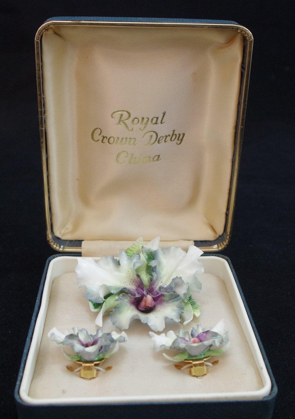 royal-crown-derby-boxed-brooch-earring-set