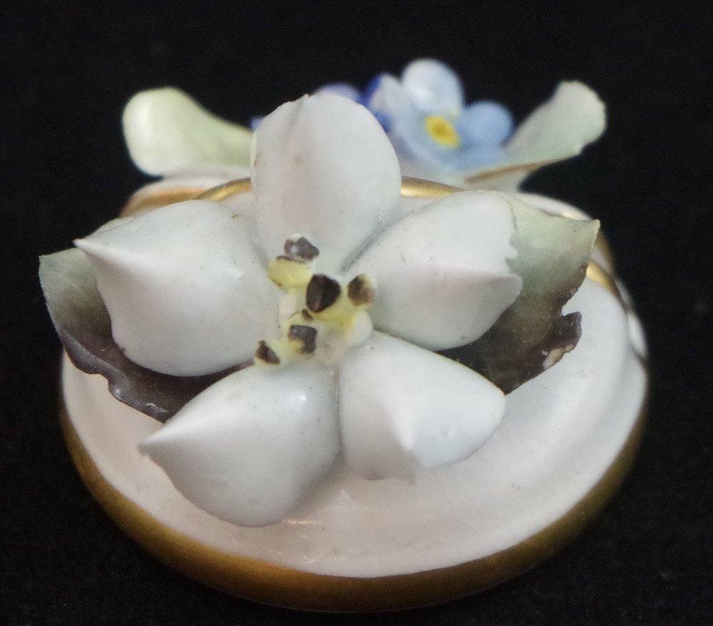 royal-crown-derby-floral-place-name-holder-d