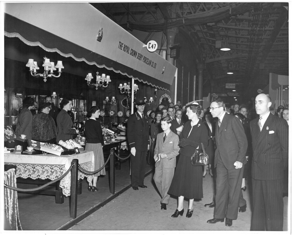 royal-crown-derby-duchess-of-kent-prince-michael-british-industries-fair-1955