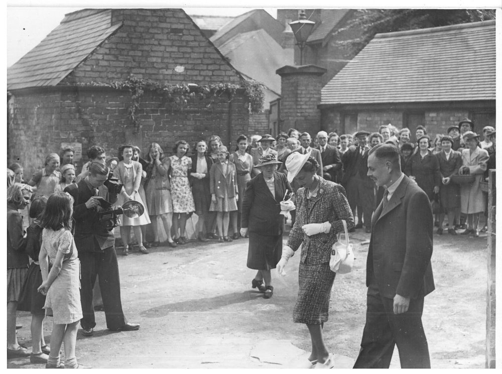 royal-crown-derby-duchess-of-kent-phillip-robinson-work-visit-1945