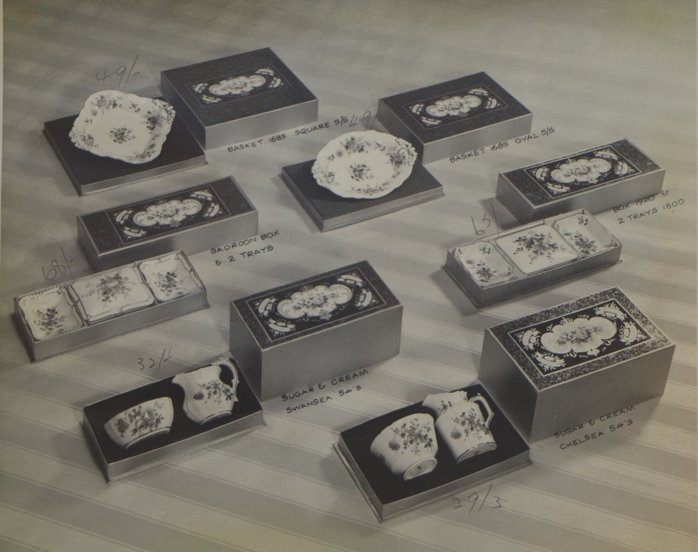 royal-crown-derby-boxed-posie-smokers-sets-and-square-and-oval-baskets-etc.