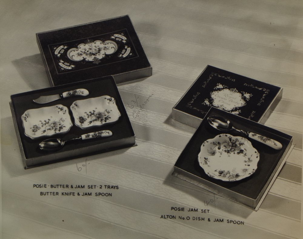 royal-crown-derby-boxed-posie-jam-sets
