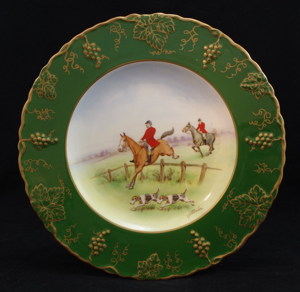 derby-vine-siam-green-no-ivory-hunting-scene