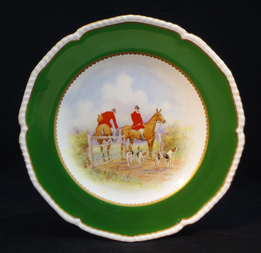 royal-crown-derby-gadroon-green-ground-hunting-scene-3