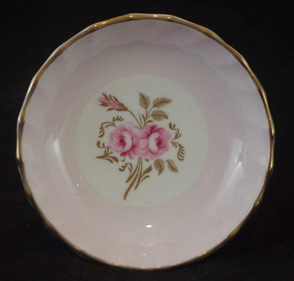 royal-crown-derby-boston-round-tray-salmon-pinxton-roses