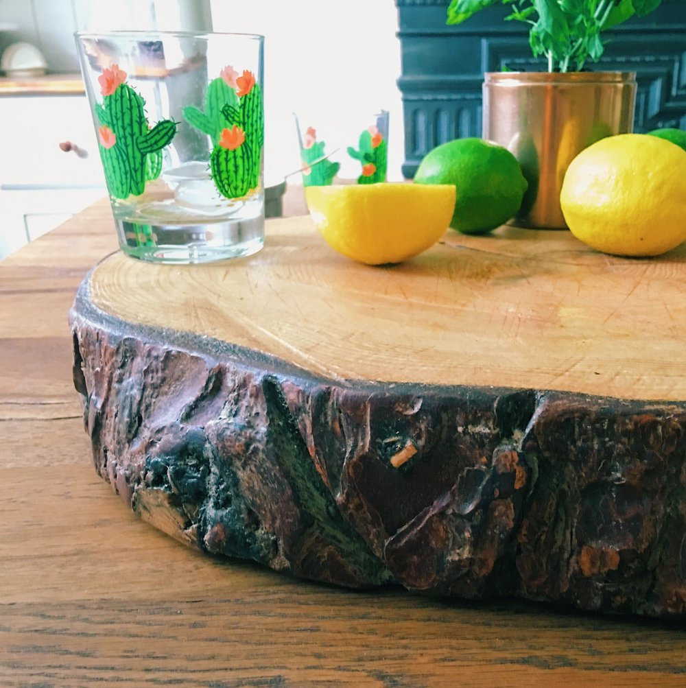 Cut your chopping board so it's around 5-7cm thick, so the wood is less likely to split.