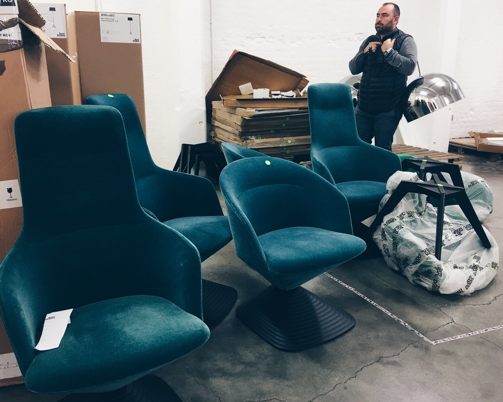 The Tom Dixon Pivot Chair, usually £2000, was available to buy for £500. This guy in the back also snagged two £620 Bell Pendant lights for £100 each.