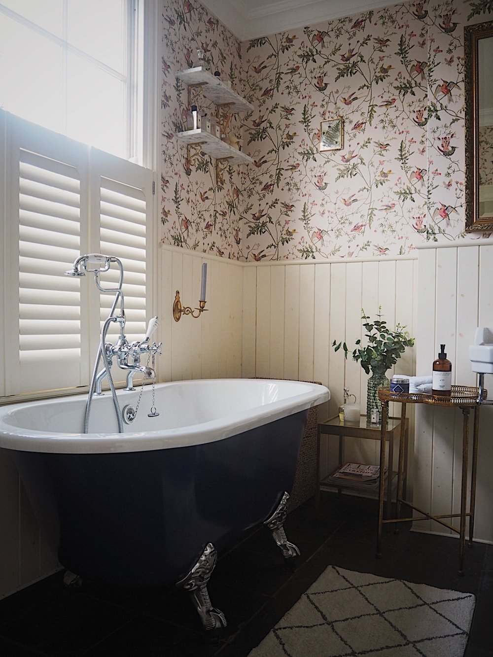 Mini bathroom makeover using wallpaper in the bathroom melanie lissack interiors for Wallpaper trends for bathrooms