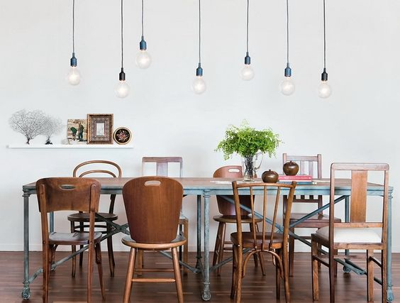 How to choose the right pendant lights for over the dining table click here to purchase a similar drop light photo credit casa mozeypictures Image collections