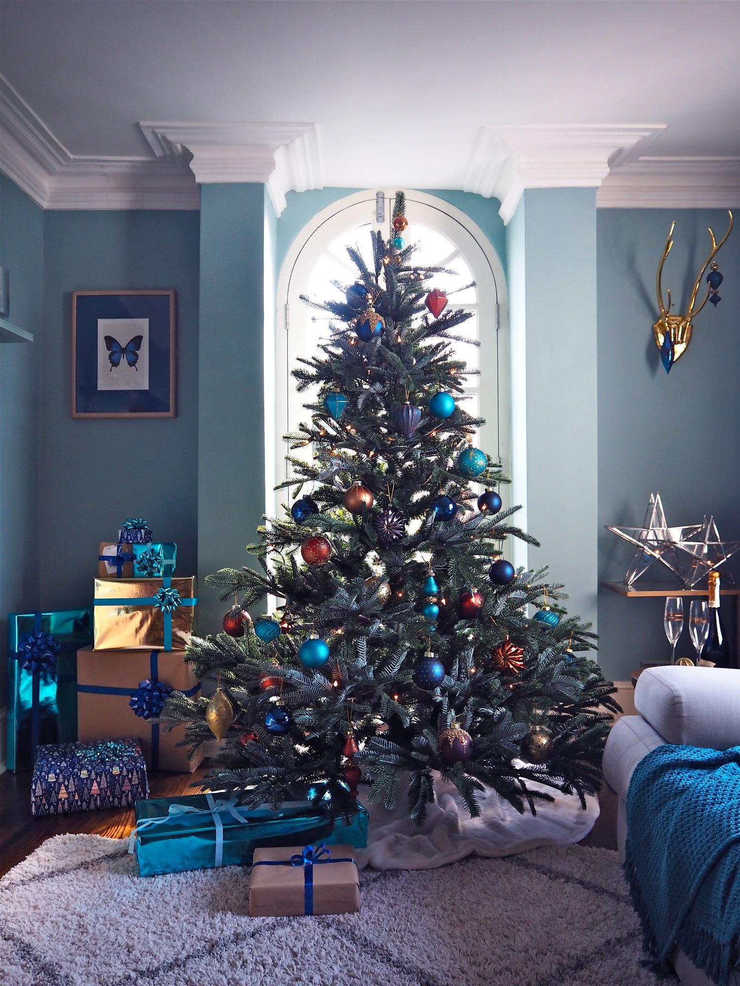 Trees & Baubles My Home At Xmas — MELANIE LISSACK INTERIORS