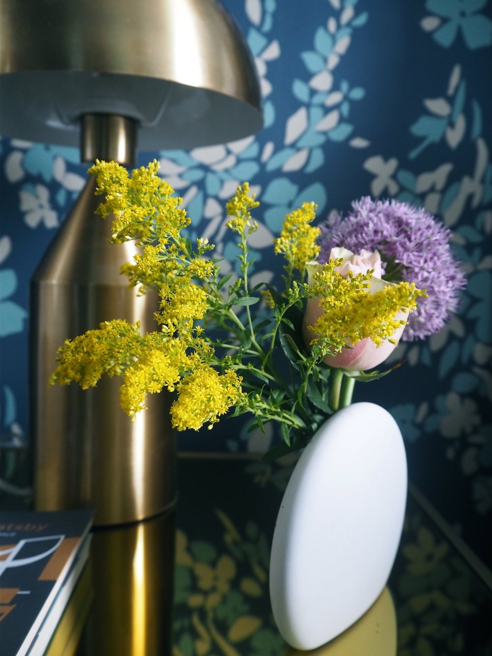 zens lifestyle rock blossom vase