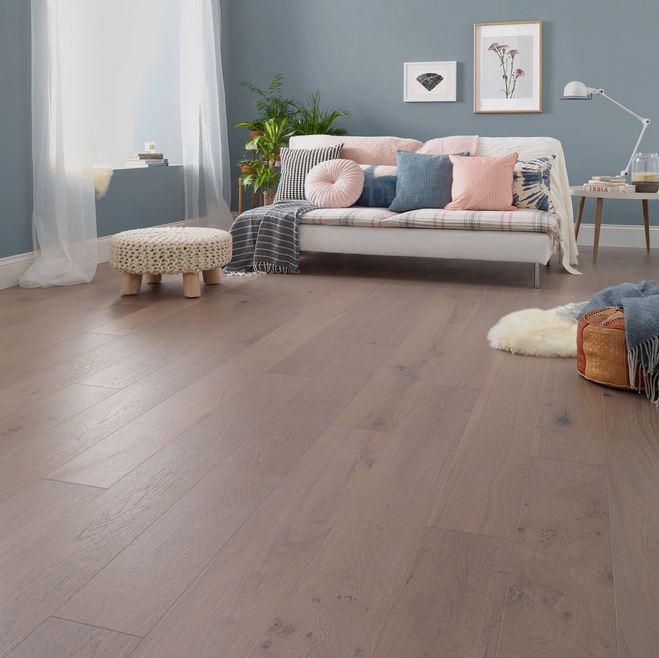 Salcombe Moonbeam Oak Engineered Floor by Woodpecker Flooring. Image Credit: Woodpecker Flooring.