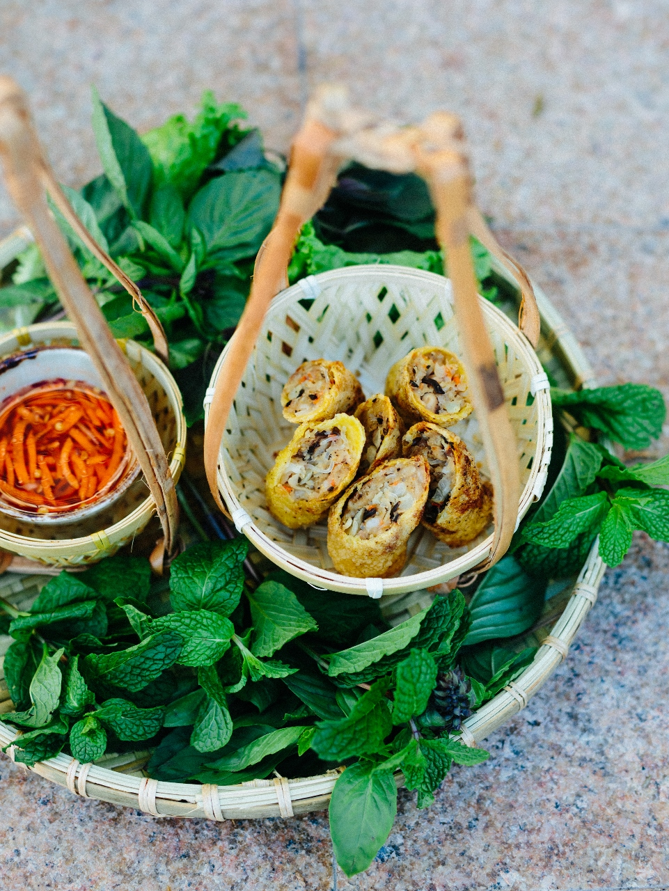 Anh and Chi Crisp Spring Rolls by Vy Tran Photography.jpg